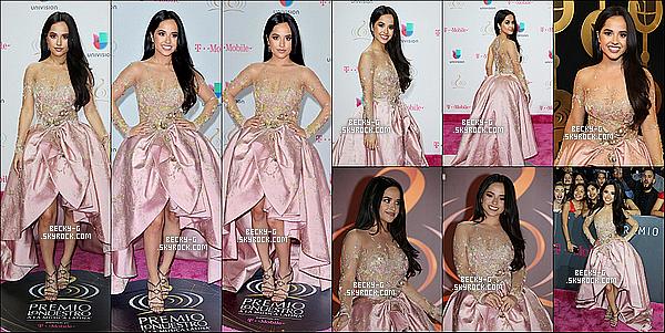 """23 / 02 / 17 :Becky,si sublime a été sur le tapisla cérémonie des """"Premio Lo Nuestro""""à Miami. Beckya été dans cette cérémonie dédiées aux stars d'origine espagnoles. Becky a été sublime avec sa robe rose, je dis TOOOOP!"""