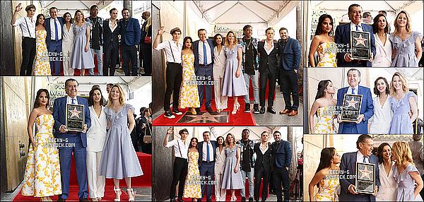 22 / 03 / 17 : Becky & le cast ont été à la cérémonie honorant Haim Saban à Hollywood. Beckytrès sublime avec sa robe blanche & dorée, le TOP. Haim Sabm est le créateur de Power Rangers et honore avec une étoile.
