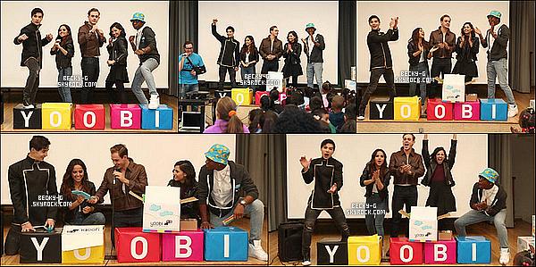 25 / 03 / 17 : Becky & le castde P.Rangers ont été à l'école Yoobipour célébrer leGive Day. Ils ont tous échangé des nombreux moments avec lesenfants présent.Beckyétait ravie de pouvoir passer du temps auprès d'enfants.
