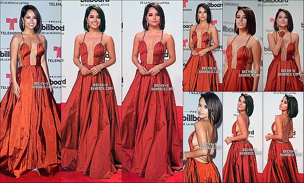 27 / 04 / 17 : Beckytoute belle, a été à la cérénomie desBillboard Latina qui a lieu à Miami. Beckya été vraiment souriante et très sublime avec sa robe rouge et sa nouvelle coupe lors de cet événement latino. Je dis un Top !