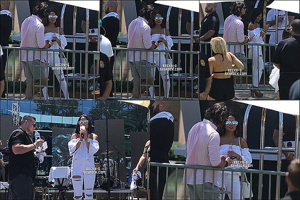 15 / 07 / 17 : Becky a donné un show avec la radioY100 Mack-A-Pooloozaà Miami Beach. Beckya été très adorable avec les fans et pendant son show. Elle est sublime et très talentueuse. J'adore sa tenue et sa coupe. TOP !
