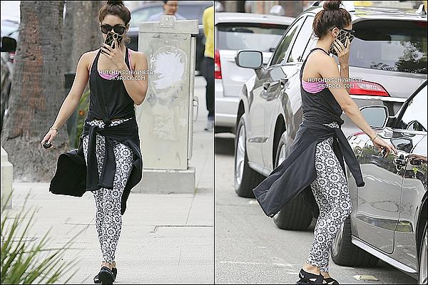 - 25.05.13 :Vanessa a etait vue sortant de sa fameuse seance de pilates dans Studio City ENCORE! ... Puis Vanessa a etait remarque mettant le plein essence de sa voiture dans une station d'essence. -