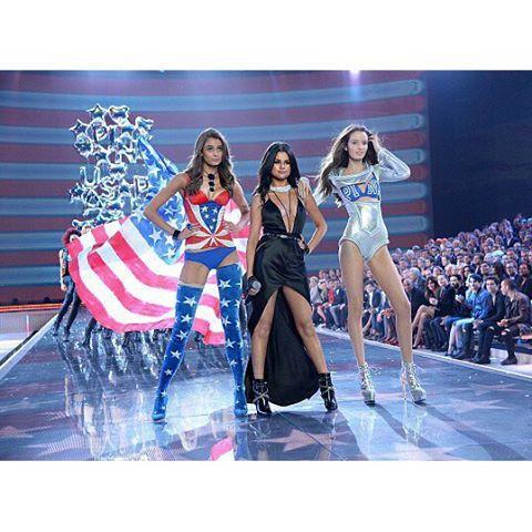 Victoria's  Show 2015