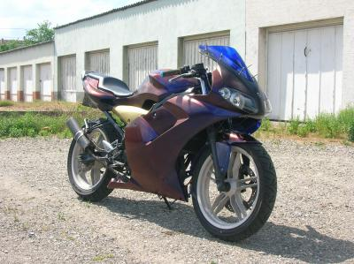 Blog de tzrman68 page 12 yamaha tzr for Peindre a la bombe carenage moto