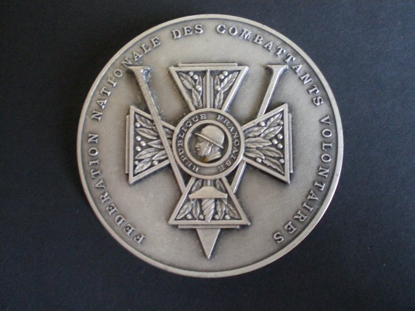 RENTREE MEDAILLE DE TABLE F.N.C.V