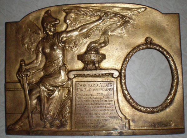 RENTREE PLAQUE EN BRONZE COMMEMORATVE 1ER BTCA 1914.