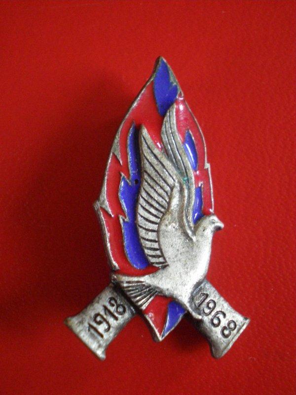 RENTREE INSIGNE COMMEMO 1918/1968