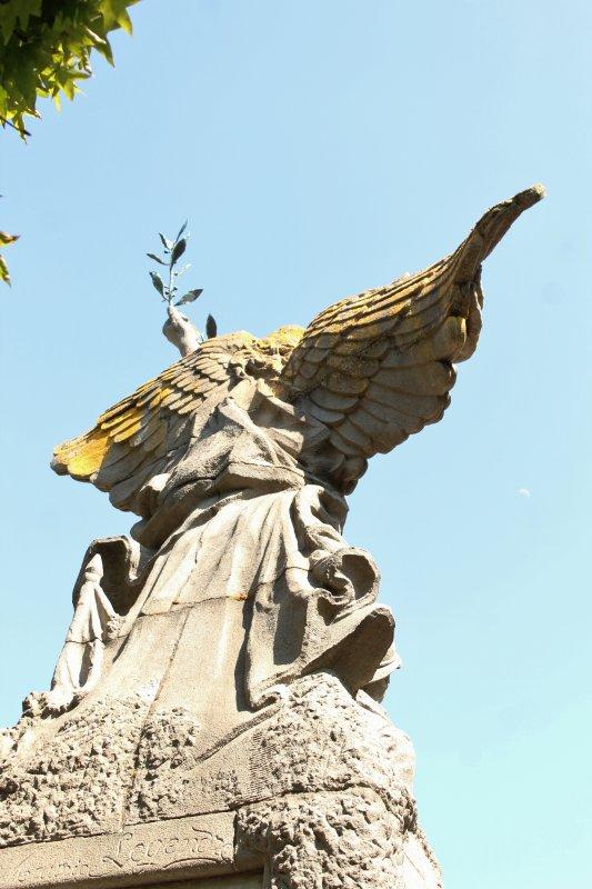 MONUMENT LES SABLES D'OLONNE (Vendée)