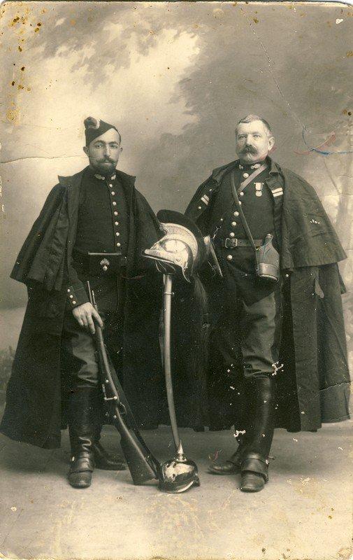 RENTREE CASQUE GENDARME A CHEVAL MLE 1912. (1/2)