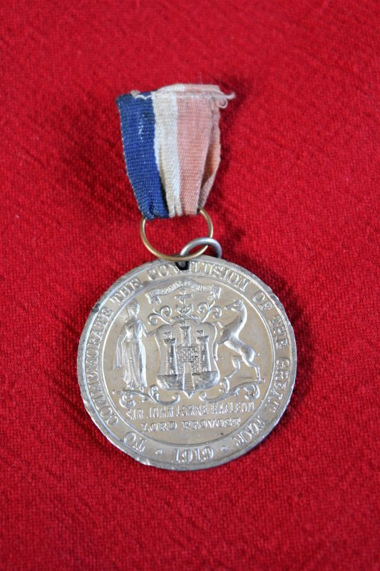 RENTREE MEDAILLE PEACE 1919.