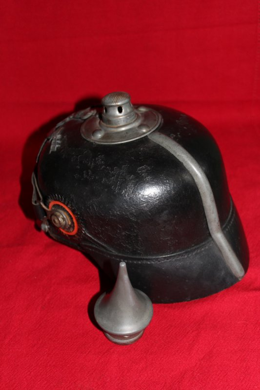 RENTREE CASQUE A POINTE WURTEMBERG 1915.
