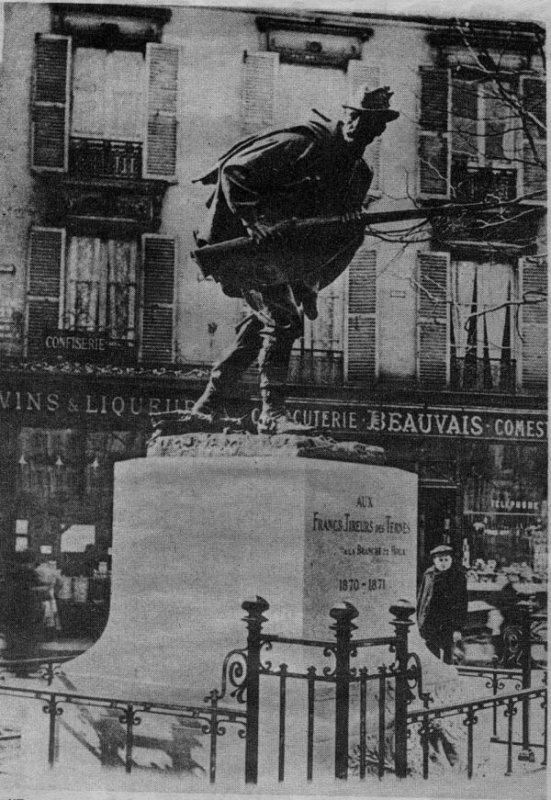 MONUMENT DES TIRAILLEURS DES TERNES 1870 ST-CLOUD (HAUTS-DE-SEINE)