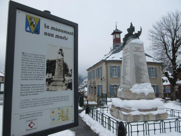 MONUMENT AUX MORTS VILLARS DE LANS (38)