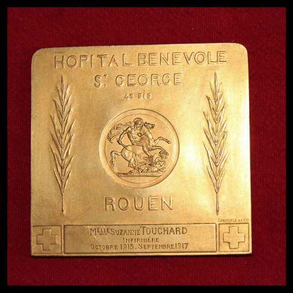 RENTREE PLAQUE INFIRMIERE WW.1. NOMINATIVE.