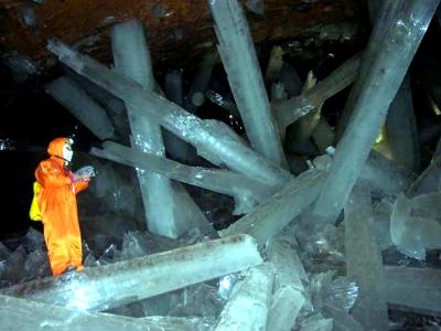 naïca la grotte aux cristaux géant