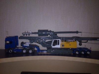Scania-Topline avec une LIEBHERR LB28 Litronic