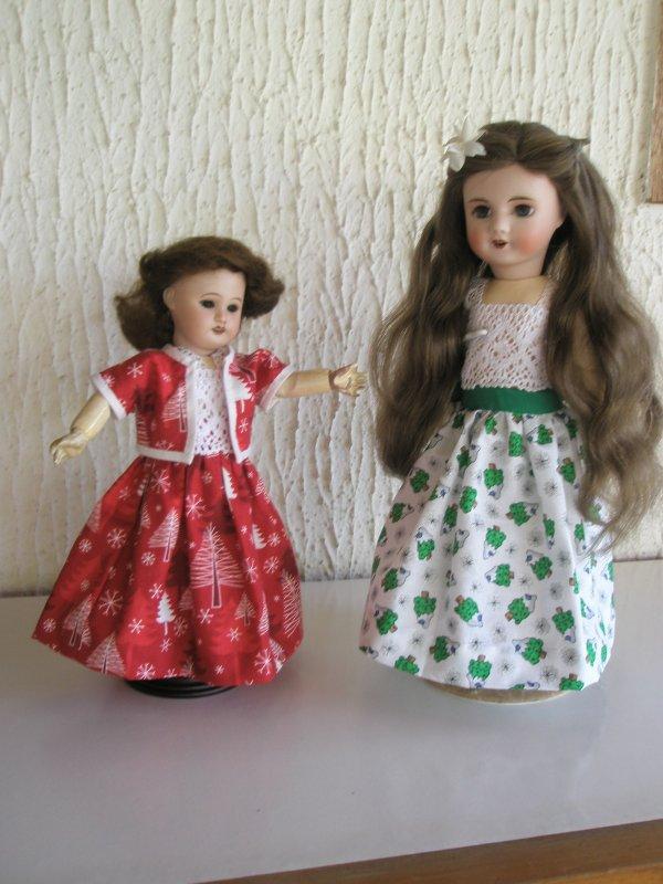 Deux jolies poupées.