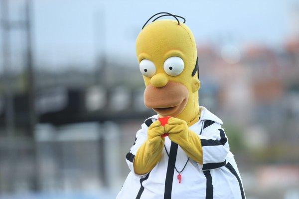 Homer Simpson est déjà à Sao Paulo... Fin prêt pour siffler une rencontre ?