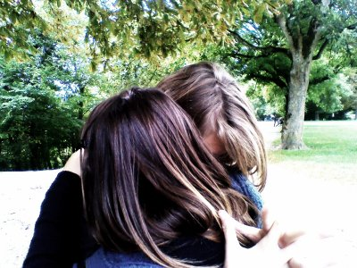 « Ces souvenirs qui me rattrape encore et encore comme pour me rappeler, que j'ai déjà payer le prix pour t'avoir trop Aimer .  ☮