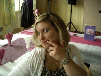 c ma cousine Amandine au baptême  de Éva le 17 juillet 2011