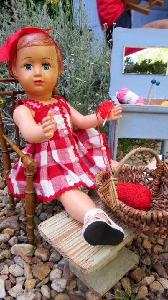 Tricoter dans le jardin ....