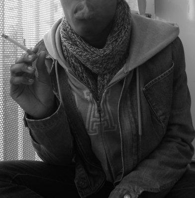 Je fume, Tu fumes, Il ( Elles ou On ) fume, Nous fumons, Vous fumez, Ils ( Elles ) fument ... Je meut, Tu meurt, Il ( Elle ou On ) meurt, Nous mouront, Vous mourez, Ils ( Elles ) meurent