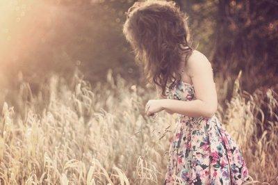 You'll never walk alone { Tu ne marcheras jamais seul } .