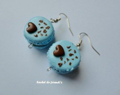 Boucles d'oreilles macarons bleu ciel coeur