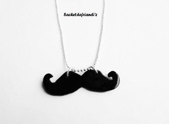 Collier Moustache ;) !