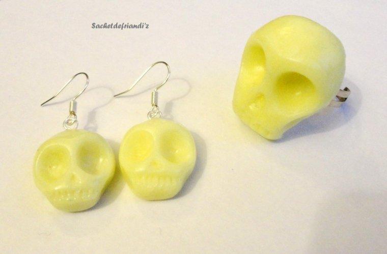 Parure Bague et boucles d'oreilles têtes de mort ! (fluorescent)