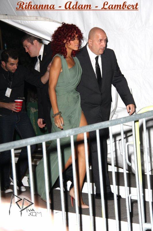 "21 Novembre ~ American Music Awards: Backstage    \\    21 Novembre ~ American Music Awards: Performance     \\      21 Novembre ~ American Music Awards: Reçoit un prix     \\    21 Novembre ~ American Music Awards: Tapis Rouge    \\    21 Novembre ~ Rihanna quitte les studios ""My Studio"" à Los Angeles   \\   21 Novembre ~ Rihanna au restaurant ""Giorgio Baldi"" à Los Angeles     \\    21 Novembre ~ Rihanna quitte le ""Nokia Theatre"" à Los Angeles"