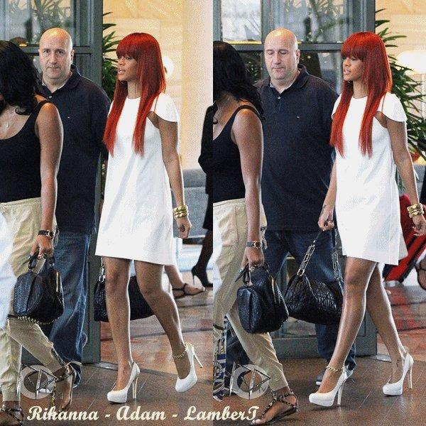 """La mère de Rihanna fait la promotion de Reb'l Fleur en Barbade ~ 5 Mars 2011            \\         07 Mars ~ Rihanna quitte son hôtel à Melbourne            \\        08 Mars ~ Rihanna quitte son hôtel à Melbourne        \\        09 Mars ~ Rihanna de retour à Sydney pour enregistrer une émission       \\     09 Mars ~ Rihanna à l'émission de Chelsea Handler, Sydney           \\           09 Mars ~ Rihanna arrive à l'aéroport de Melbourne       \\          10 Mars ~ Rihanna arrive à l'aéroport d'Aledaide               \\              10/11 Mars ~ Rihanna quitte l'hôtel """"Park Hyatt"""" à Sydney"""
