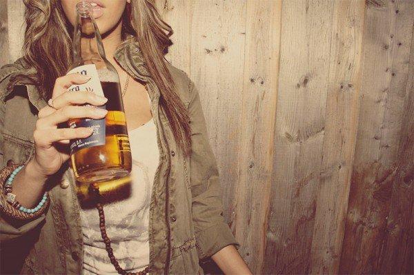 L'alcool n'est jamais la réponse, mais il vous aide à oublier la question.