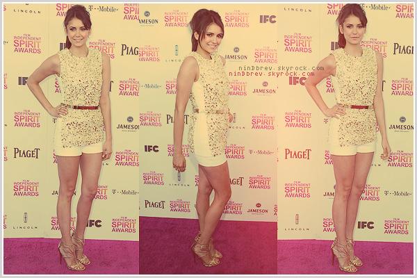 23/02/2013 : Nina Dobrev s'est rendue aux Film Independent Spirit Awards. ϟ Je trouve Nina vraiment magnifique comme à son habitude. J'aime beaucoup sa tenue, elle lui va à merveille. Pour moi c'est un TOP !