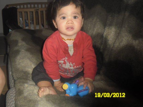 Mon petit coeur ki s'assoie sur le canape!!!!!!!!!!!!!!!! jet'aime mon ange