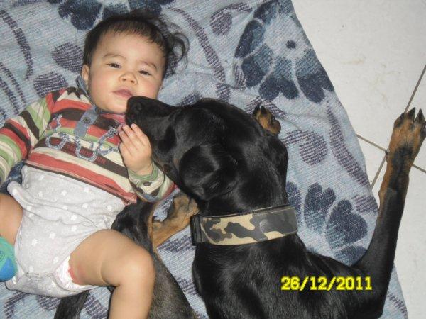 Mon fils avec ma chienne Naya !!!!!!!