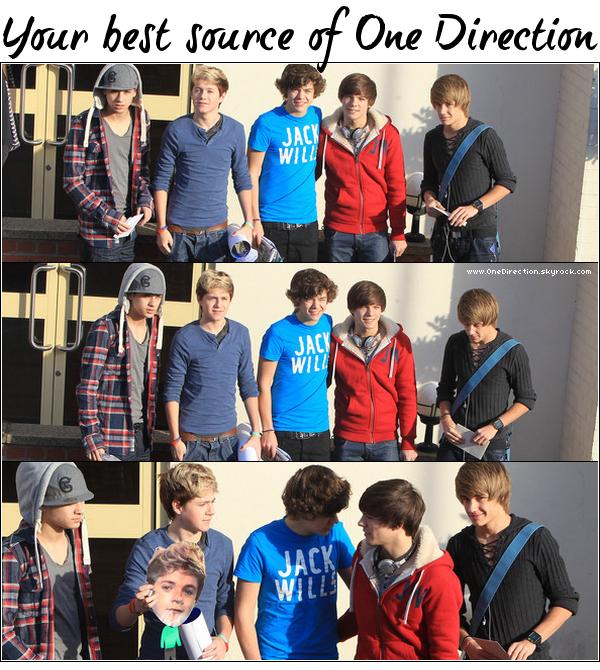 .     19/11/10 : Les One Direction arrivant au studio « Fountain » de Londres pour les répétitions de X-Factor.   .