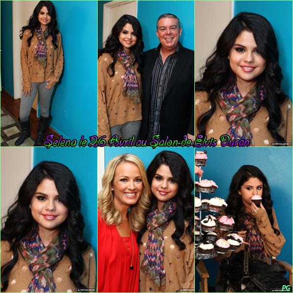 26 Avril 2012 ; Selena chez Elvis Duran + Photos Persos et de Fan / Candids + Instagram + Fans