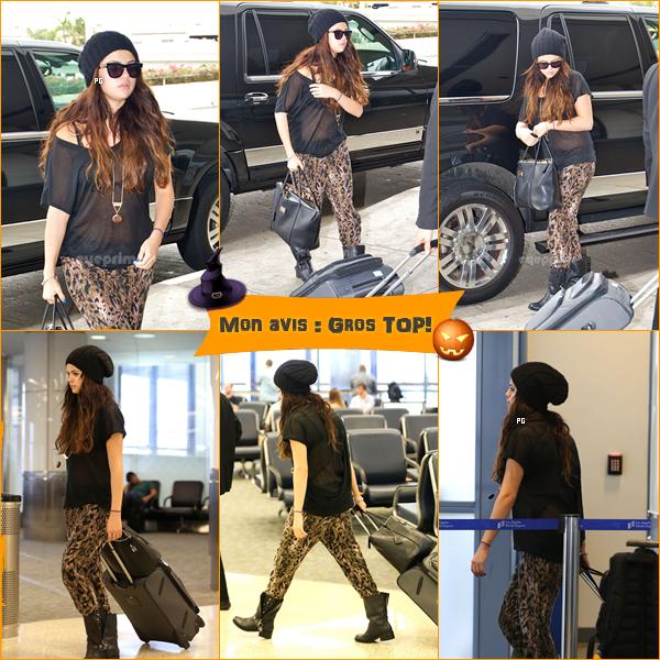 19 octobre 2012 ; Sel à l'aéroport de L.A. + Scans du mag' BRAVO Russie / Candids + Scans
