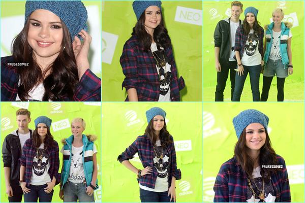 19 & 20 novembre 2012 ; Jelena sortant d'un resto + Selly à un Photocall pour Adidas + Pub de NEO / Candids + Events + Vidéos