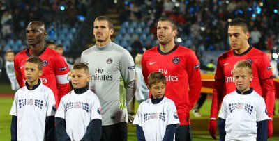 594fbd9a33 ... Saison 2011 2012 maillot porté par Nicolas DOUCHEZ lors du match  d EUROPA LEAGUE
