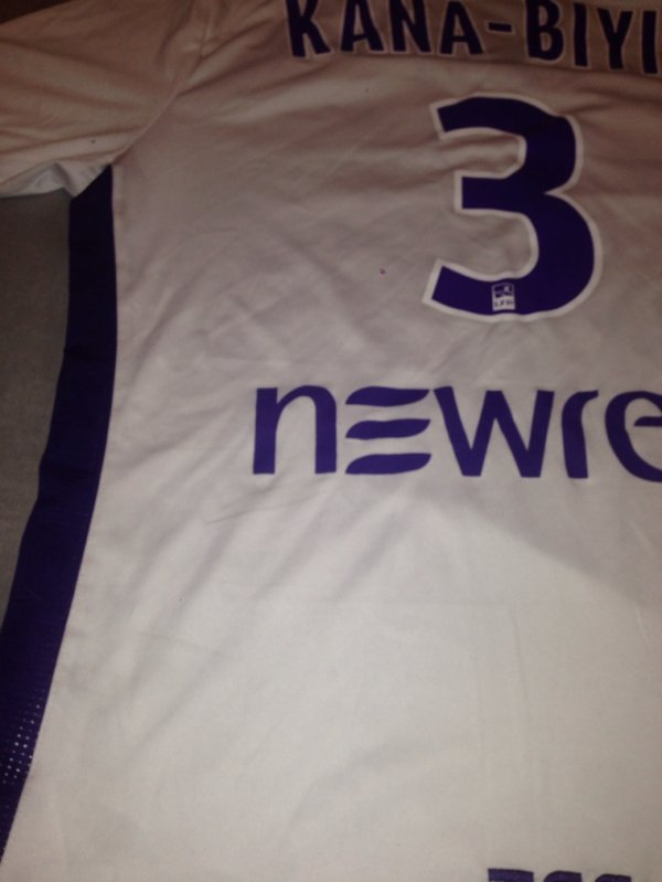 Saison 2015/2016 maillot porté par KANA BIYIK lors de Guingamp/TFC ( championnat)