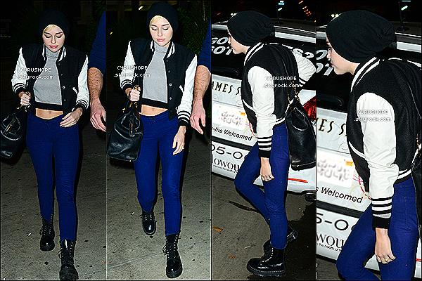 . 15/11/2012- Mile Cyrus a été repérée quittant un immeuble de Beverly Hills (CA).Plus tard, Miley, son fiancé, Liam Hemsworth et son ami Cheyne Thomas quittaient le Dinner à Los Angeles.Découvrez une première photo de Miley R. Cyrus lors de son photoshoot pour la magazine Cosmopolitan !.
