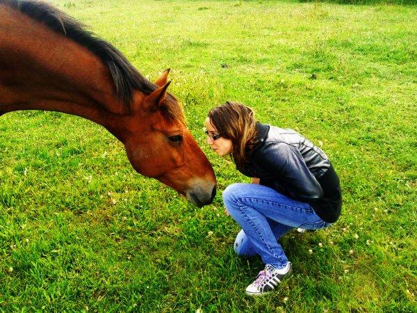 Il m'a sortie du gouffre, il m'a relever tant de fois, il m'a écouté..Oui je sais, c'est un poney ♥