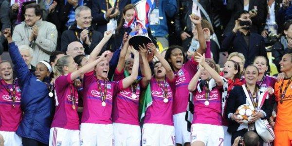 Lyon 2-0 Francfort . Les Lyonnaises remportent la LDC pour la 2em fois consécutive !