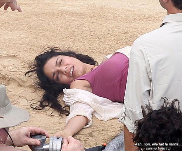 Za-Nessa-SourceOtez moi d'un doute, elle joue pas encore une prostituée dans ce film ?! ( 10.11.2010 ) Za-Nessa-Source