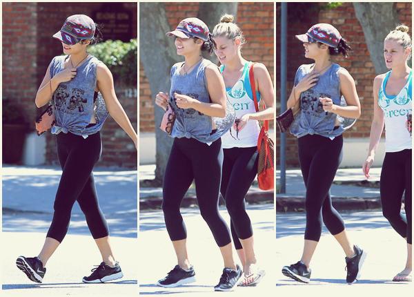 Za-Nessa-Source (17.09.2012) Vanessa et Laura ex-Glue, sont allées faire du sport et déjeuner entre foufounettes.Za-Nessa-Source