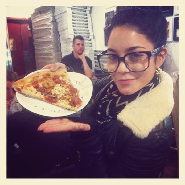 Za-Nessa-Source Vanessa abandonne sa carrière d'actrice, pour devenir pizzaïolo à New York.Za-Nessa-Source