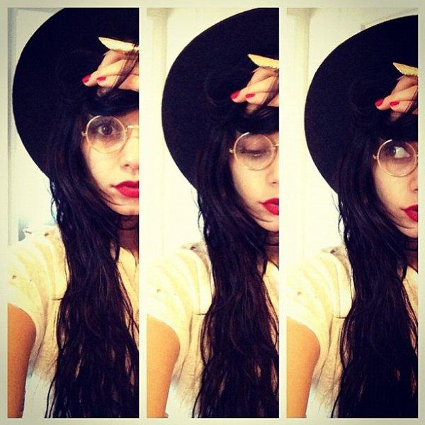 Za-Nessa-Source Vanessa, encore une fois en contradiction avec elle même, a ouvert un compte instagram.Za-Nessa-Source