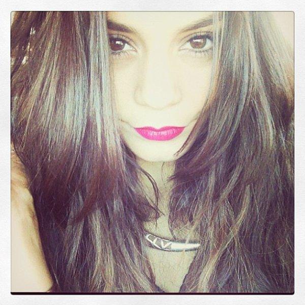 "Za-Nessa-Source""Bon jeudi #moi"" - elle, sur instagram.Za-Nessa-Source"